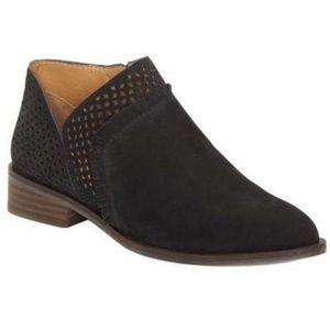 New with tags Lucky Brand pakpao Black Booties